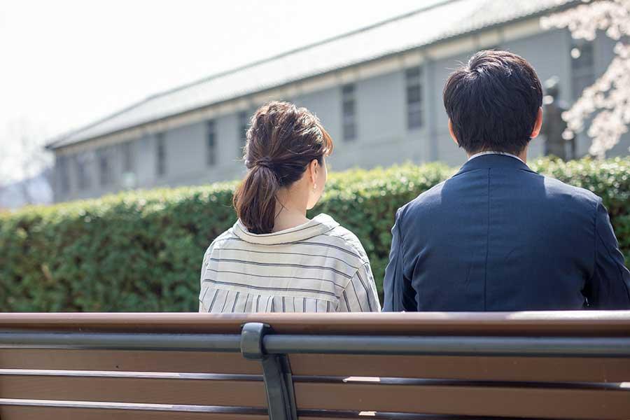 マッチングアプリでの出会いはアリかナシか(画像はイメージ)【写真:写真AC】
