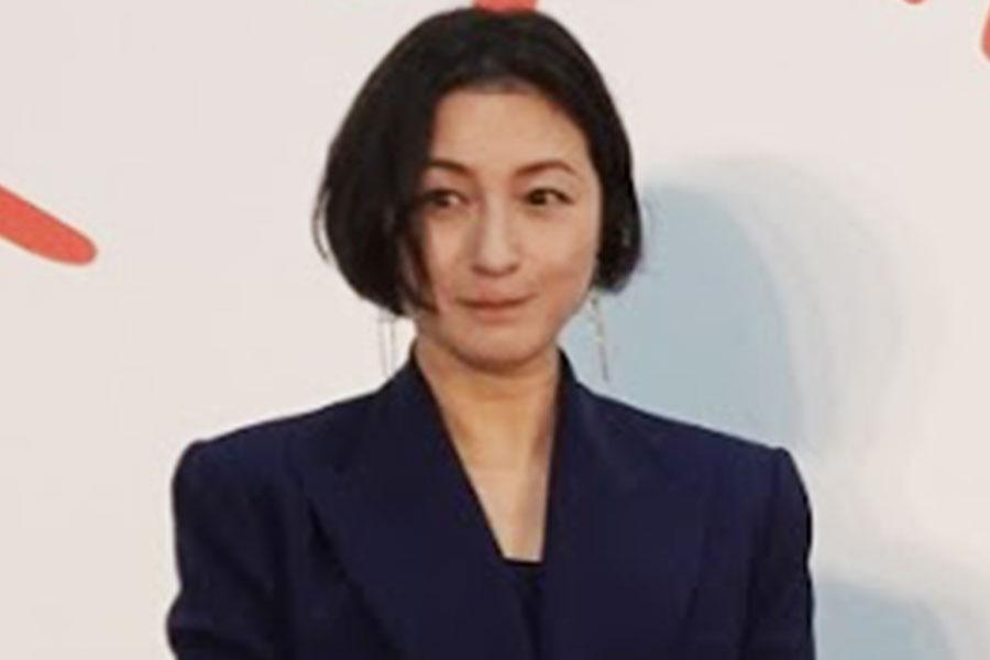 広末涼子、40歳でも変わらぬ透明感 オフショットで見せた無垢な笑顔