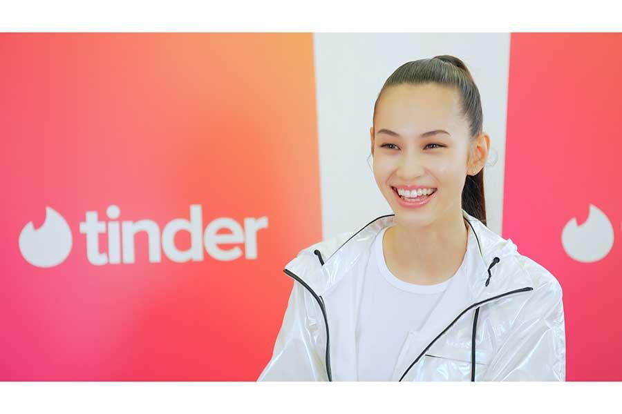 「Tinder(ティンダー)」のブランドアンバサダーに就任した水原希子
