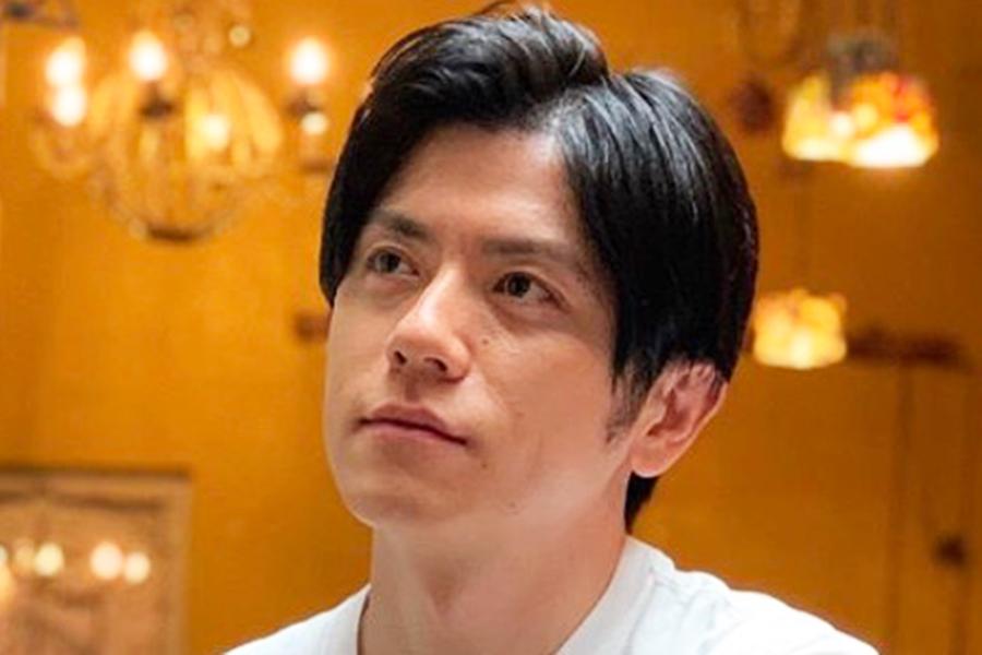 """日テレ・森圭介アナ、青木源太アナを""""お姫様抱っこ""""独特すぎる2ショットに「兄弟みたい」"""