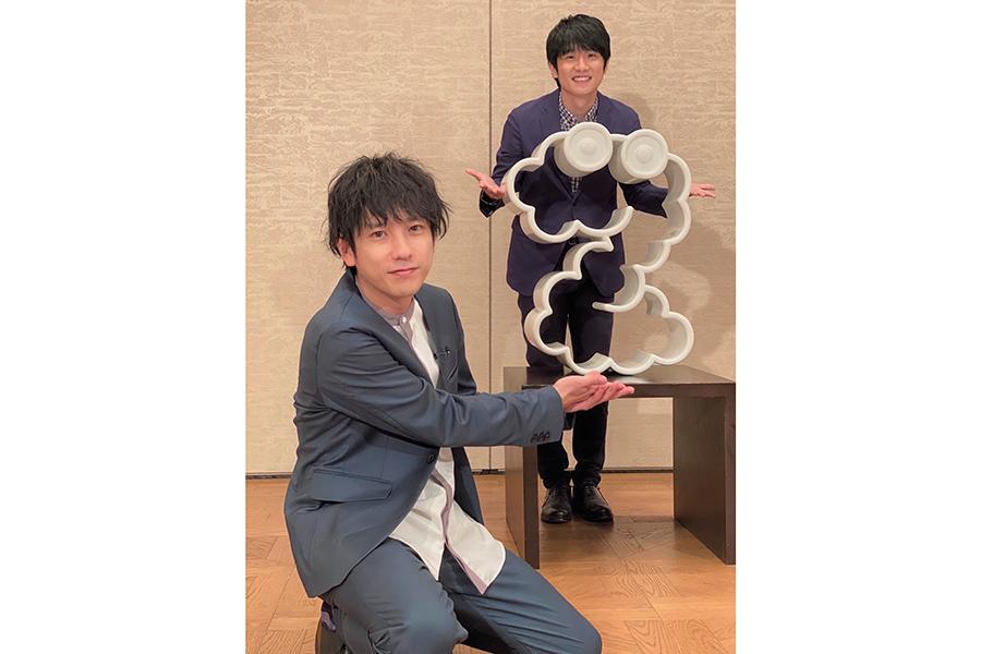 「ZIP! SHOWBIZ SPECIAL」で対談する二宮和也と風間俊介【写真:(C)日本テレビ】