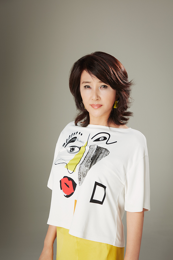 インタビューに応じた秋吉久美子