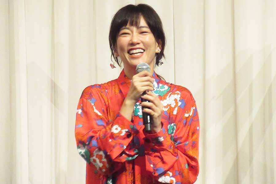 「喜劇 愛妻物語」の公開直前イベントに出席した水川あさみ【写真:ENCOUNT編集部】