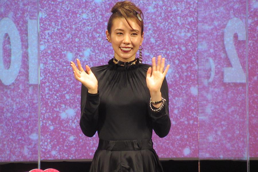 仲里依紗、吹き替え出演作の予告が映画館で流れ…愛息がポツリ「あ、仲里依紗さんだ」