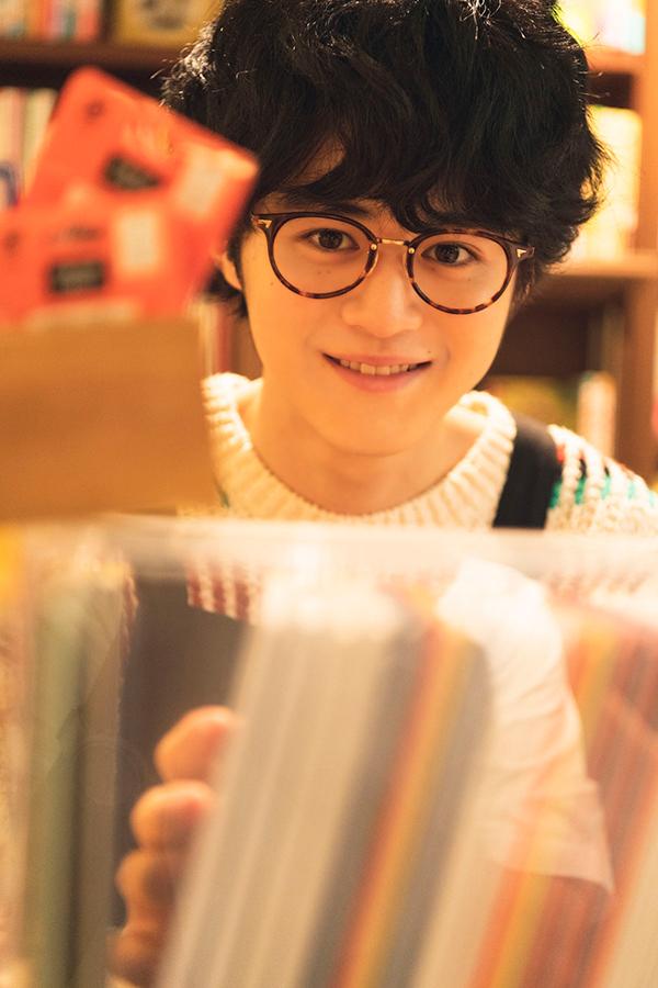 初のカレンダーブックを発売する鈴鹿央士【掲載:ENCOUNT編集部】