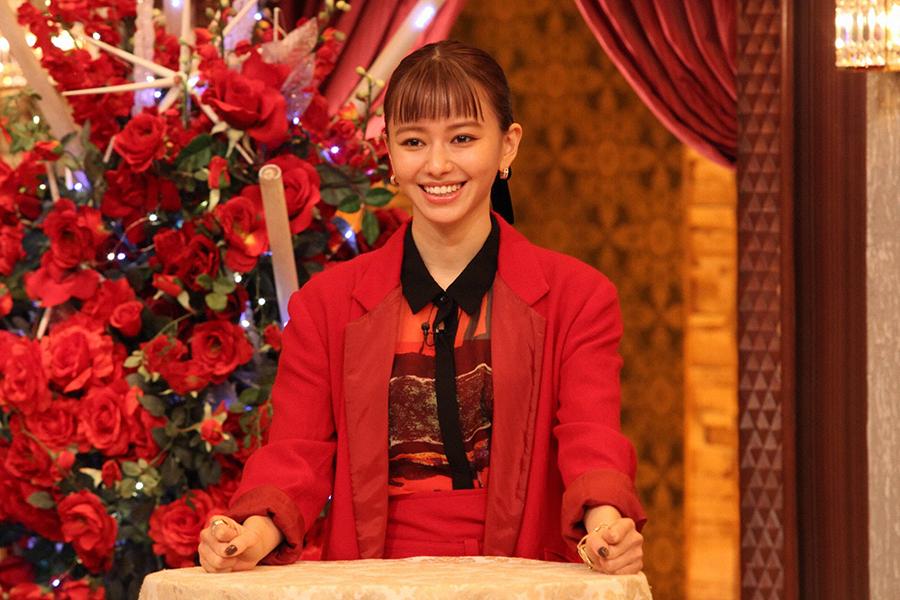 山本舞香が衝撃告白「芸能界を辞めてキャバ嬢になりたかった」 TOKIOも仰天の展開に