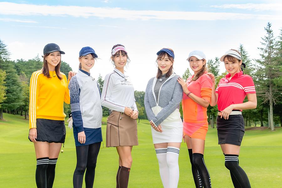 美尻タレント竹内渉、白ミニスカでゴルフバトル参戦【写真:(C)BS12】