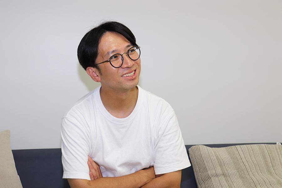 構成作家としても大忙しの佐藤満春【写真:ENCOUNT編集部】