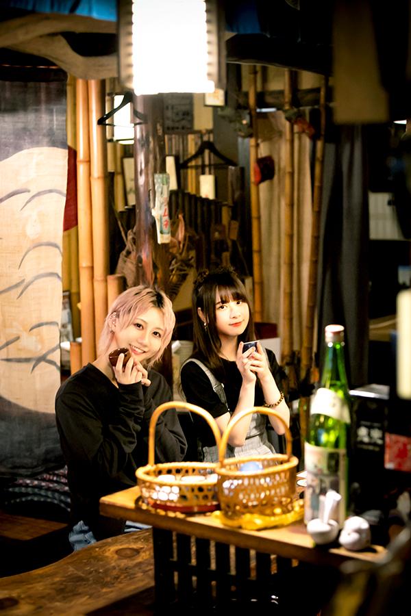古畑奈和(左)と前田佳織里【写真:(C)VAP・BS日テレ・PONY CANYON】