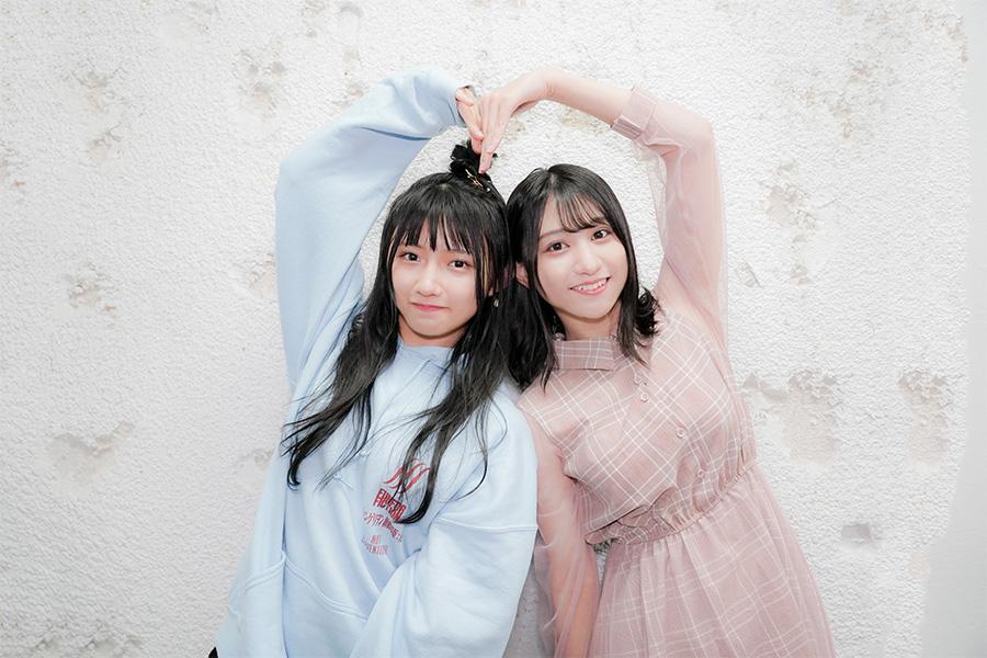 「STU48」門脇実優菜(左)と大谷満理奈【写真:山口比佐夫】