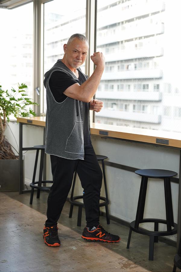 木之元亮さんは身長184センチ、体重90キロ、胸板厚く堂々とした体躯だ【写真:山口比佐夫】