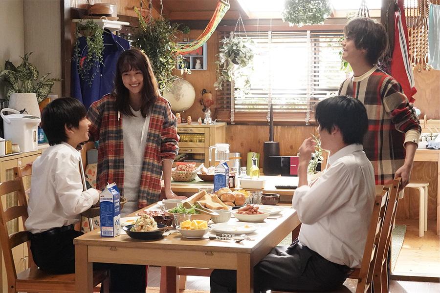 有村架純が主演を務めるドラマ「姉ちゃんの恋人」の家族ビジュアル(C)カンテレ