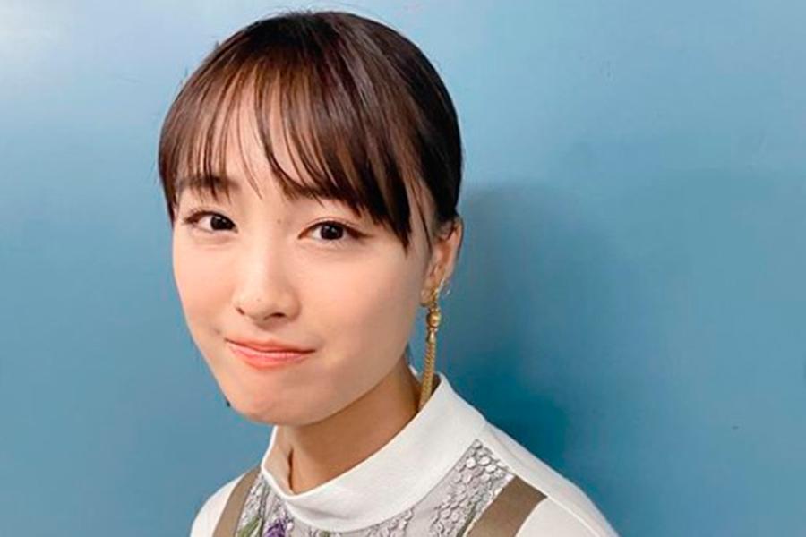 大友花恋、リアルすぎる「社員証」公開 ゆるふわヘアの証明写真に「即保存」「最強」