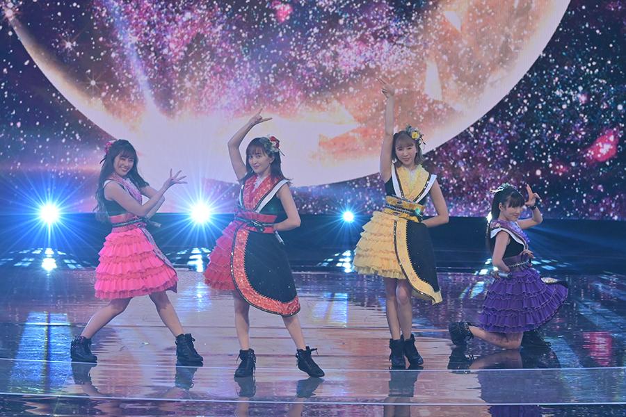 世界中のファンから支持を集めるももいろクローバーZ【写真:(C)NHK】