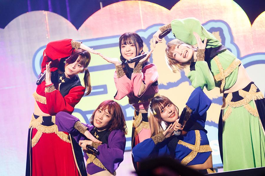 自身初となる有観客ワンマンライブを成功させたアイドルグループ「豆柴の大群」