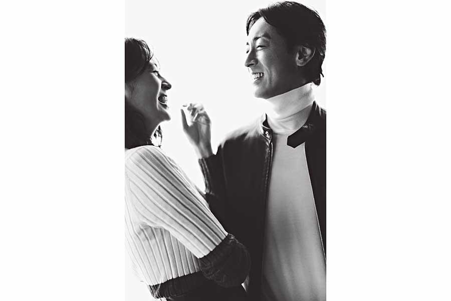青木裕子&矢部浩之、雑誌で初の夫婦2S 矢部「心底照れました」青木「恥ずかしさが先に」