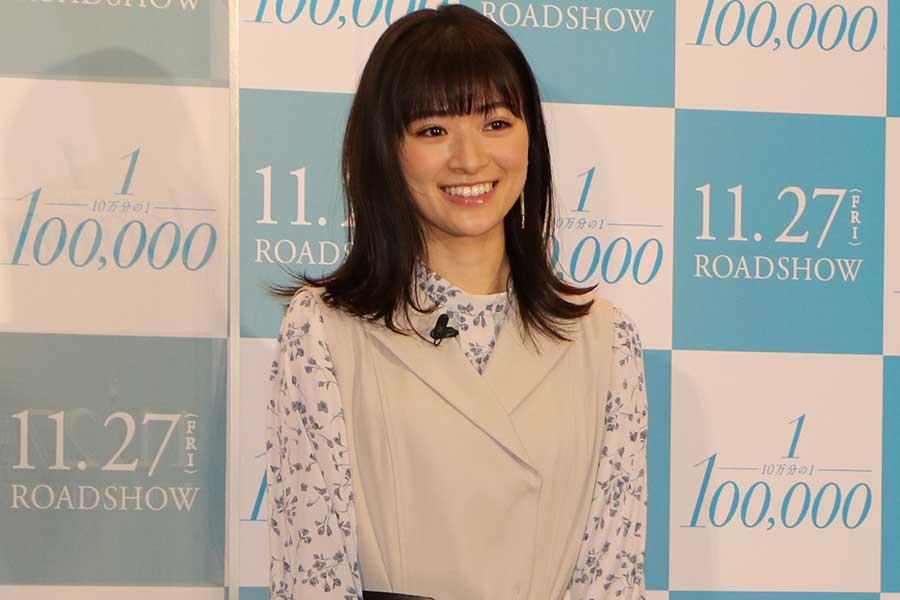 出演する映画「10万分の1」の大ヒット祈願イベントに参加した優希美青【写真:ENCOUNT編集部】