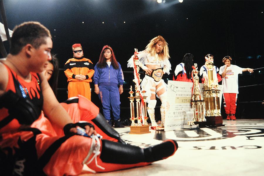 「V☆TOPウーマントーナメント」(94年11月) アジャ・コングを破り優勝した北斗晶【写真:平工 幸雄】
