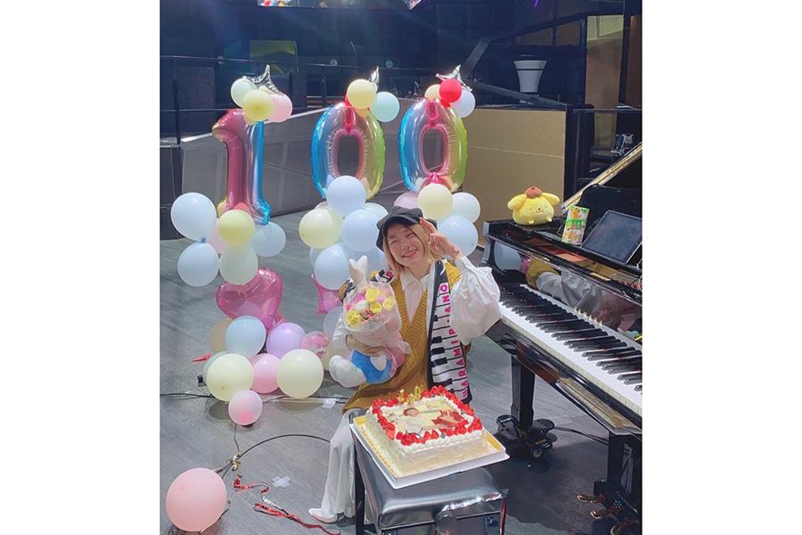 チャンネル登録者100万人を突破した人気ピアニストYouTuberのハラミちゃん