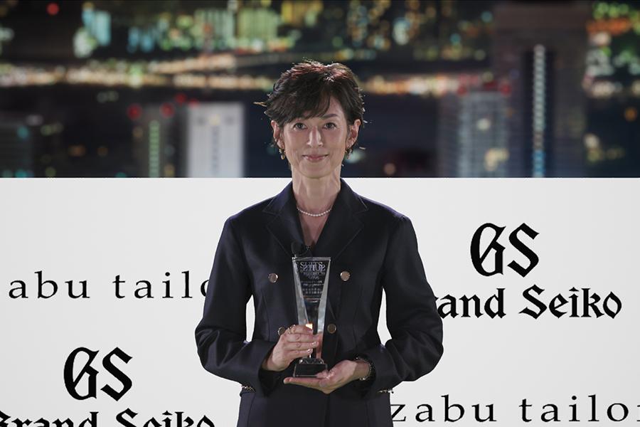 「アート&カルチャー部門」で受賞した鈴木保奈美