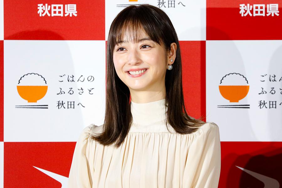 「秋田米新品種 名称お披露目イベント」に出席した佐々木希