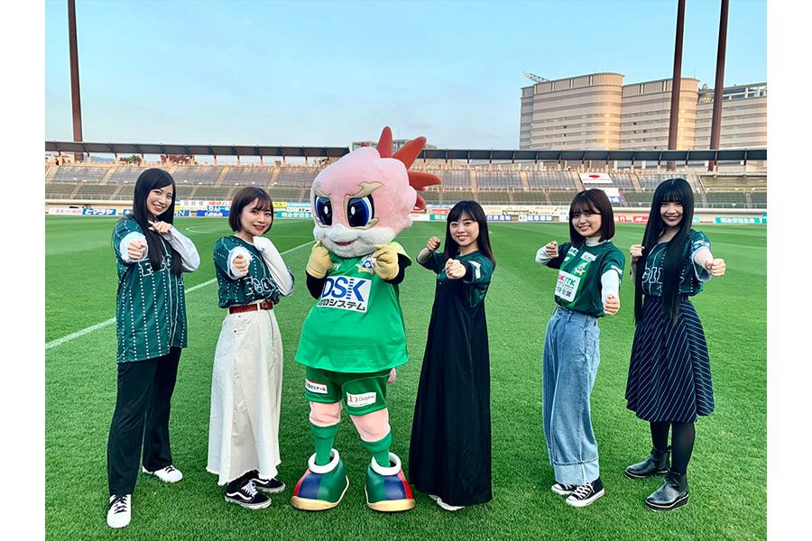 SKE48北野瑠華らがFC岐阜を応援 スタジアム・屋台村でのコラボをアピール