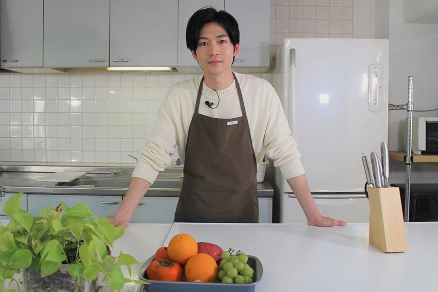 """""""料理好き男子""""松下洸平が自前包丁で華麗な包丁さばきを披露 BTS完コピダンスも"""