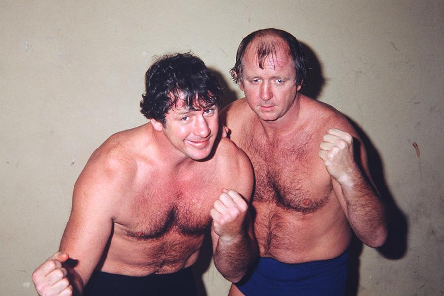 テリー・ファンク(左)、ドリー・ファンク・ジュニアの「ザ・ファンクス」(写真は82年)【写真:平工 幸雄】
