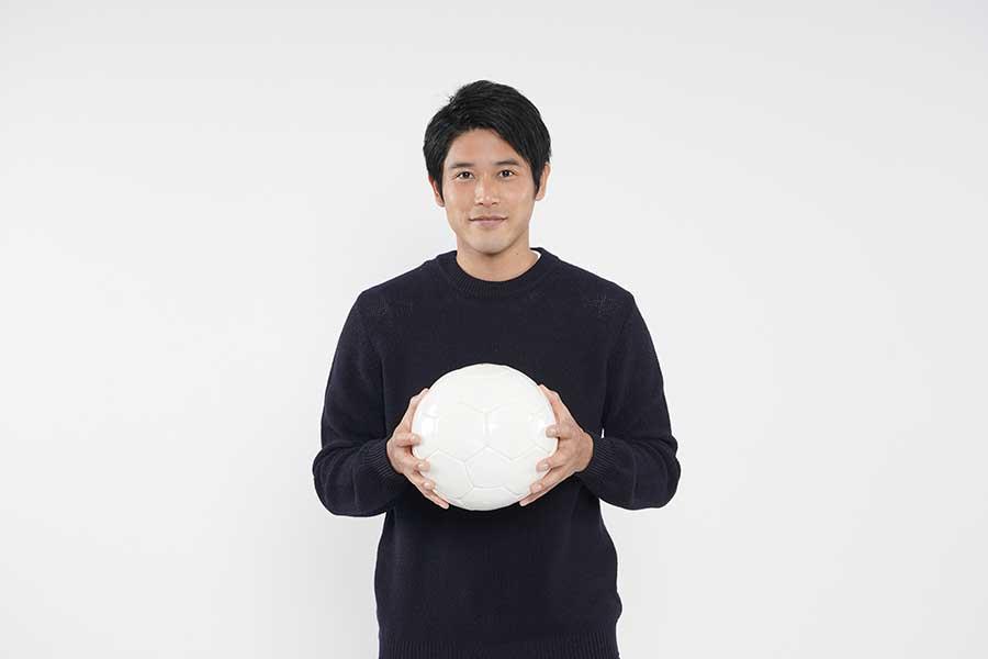 内田篤人、高校サッカーの応援リーダーに就任 手書きメッセージで「前へ」エール送る