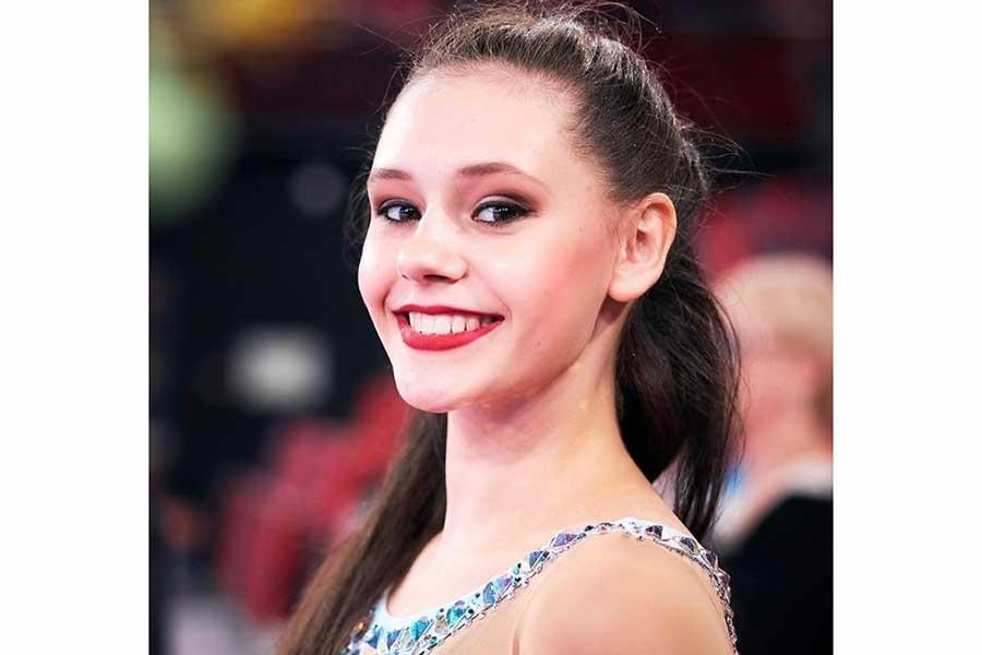 ロシア新体操の18歳美女、驚異の200度I字大開脚を公開 世界が仰天「言葉はいらない」