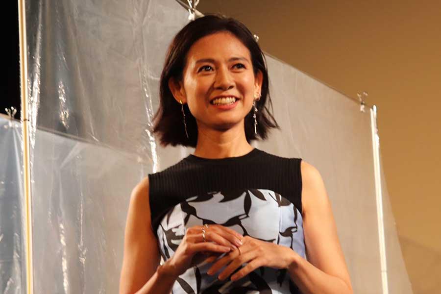 映画「ミセス・ノイズィ」完成披露舞台あいさつに出席した篠原ゆき子【写真:ENCOUNT編集部】