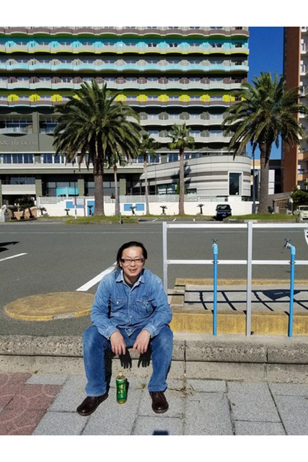 2018年9月、浜松で釣りに出かけたときの宅八郎さん【写真:矢野雄康さん提供】