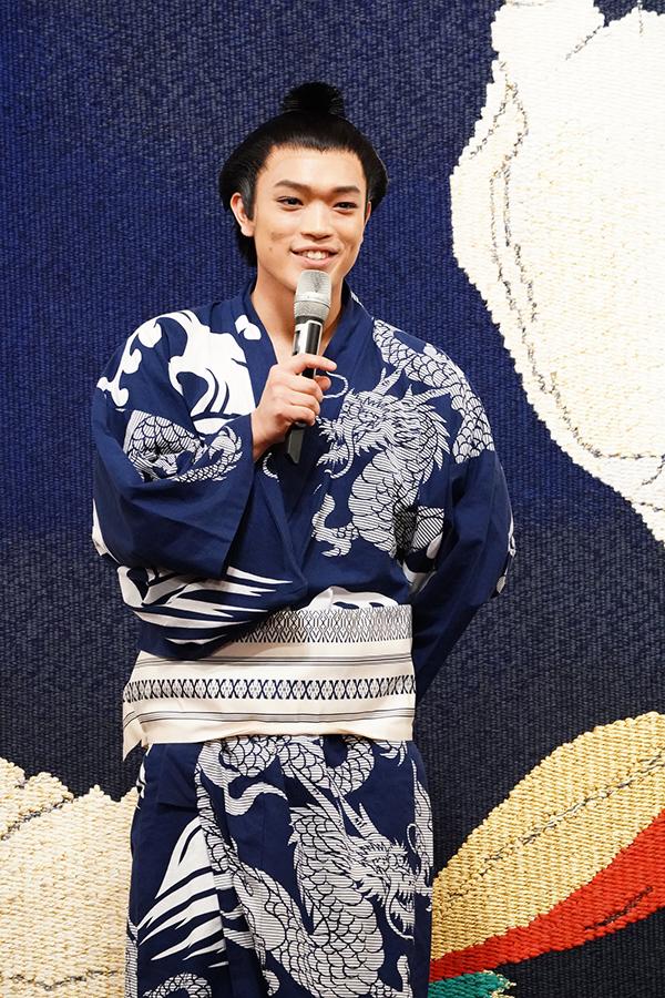 主演としてあいさつする原嘉孝【撮影:田中亜紀】