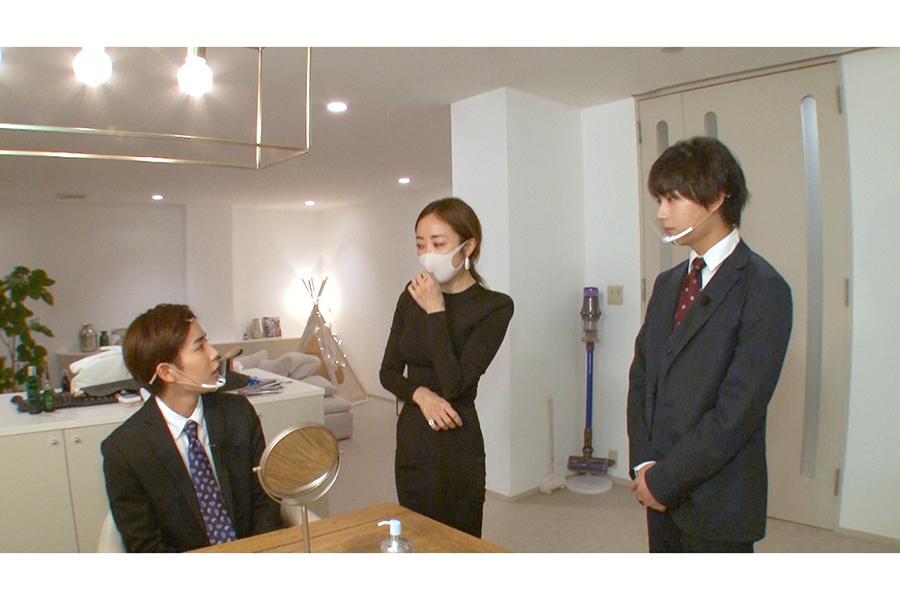 世の女性から圧倒的な支持! カリスマ美容家・神崎恵のまゆ毛講座を長尾謙杜が受講