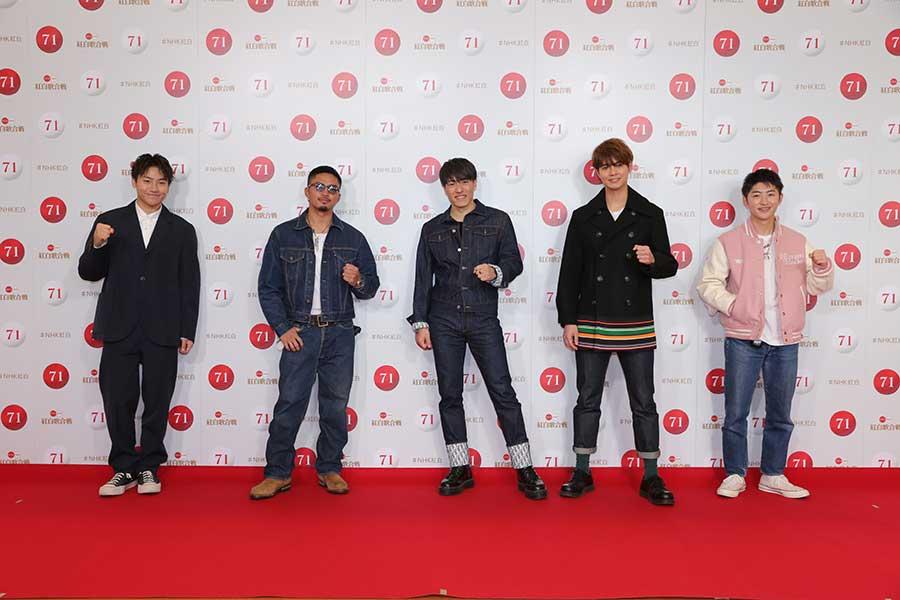 紅白のリハーサルを行ったGENERATIONSの左から小森隼、数原龍友、中務裕太、片寄涼太、佐野玲於【写真:(C)NHK】