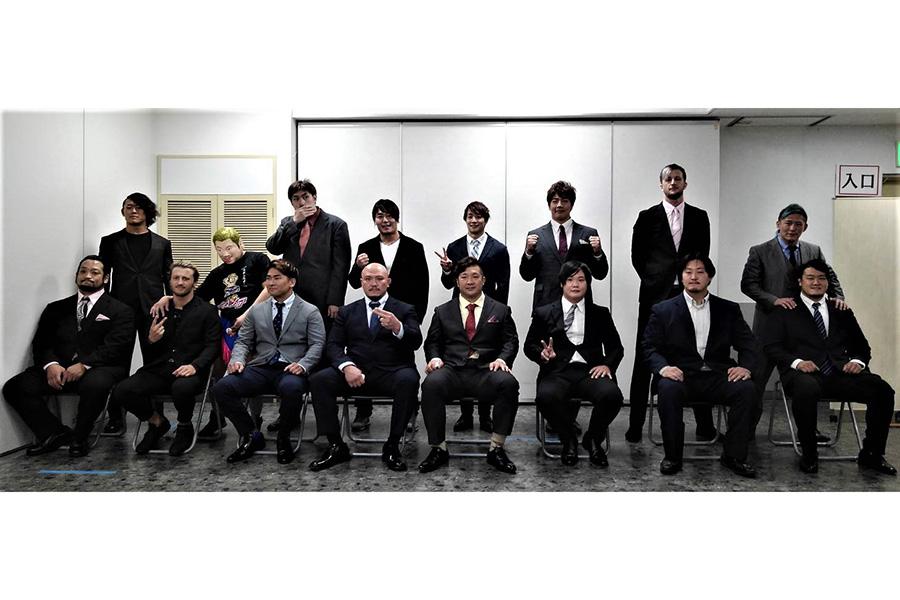 「年越しプロレス」は16人8チームがタッグトーナメントを争う【写真:柴田惣一】