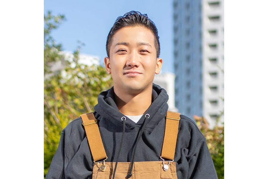 シンガー・ソングライターの瑛人【写真:本多元】