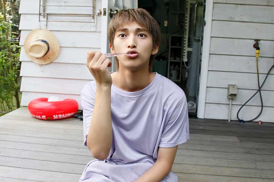 22歳の戦隊俳優・木原瑠生が初の写真集を発売へ ワイルドな姿も披露
