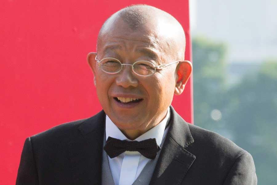 69歳になった笑福亭鶴瓶、中居正広がケーキをプレゼント 「to べい」のメッセージ
