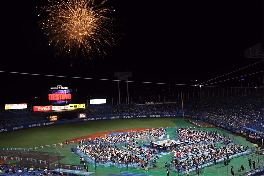 大きな花火が打ち上げられた21年ぶり神宮大会のフィナーレ【写真:山口比佐夫】