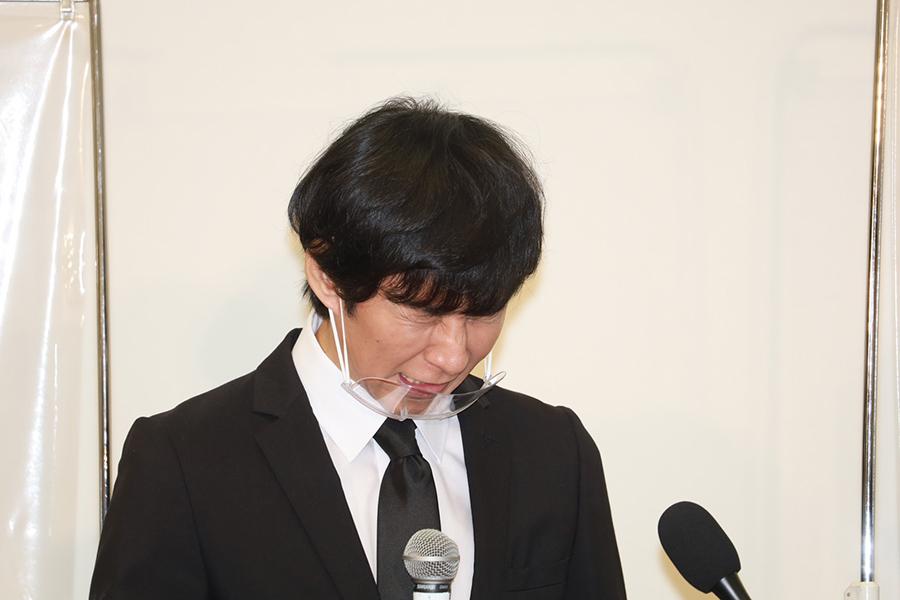 アンジャ渡部会見、女性リポーターが集結…厳しい質問飛び交う「なぜ、1万円を渡したのか」