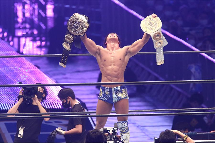 31分18秒の死闘!飯伏幸太、ドームのメインで内藤哲也下し2冠王者に輝く「ジェイに勝って本当の神になる」