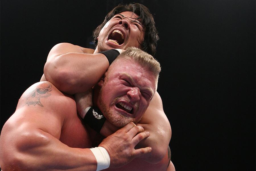 【プロレスこの一年 #29】大量離脱の新日本、絶対王者不在のNOAH…混迷の2006年リングを救った2人の新チャンピオン
