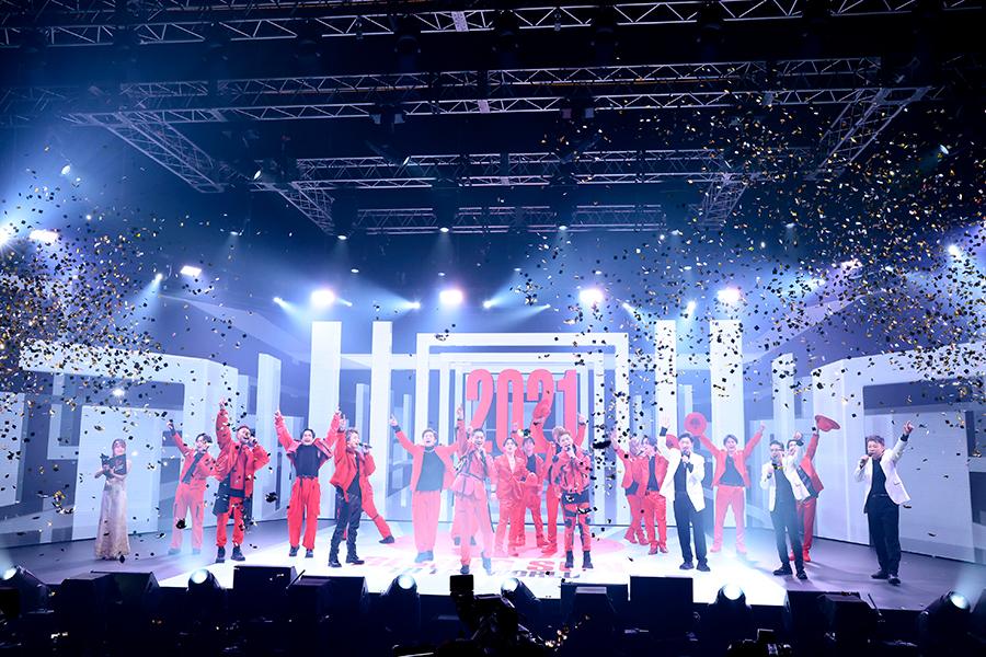 「EXILE TRIBE」が集結したカウントダウン公演のパフォーマンス