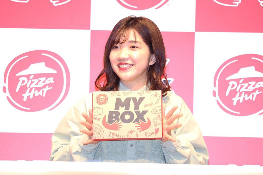 「ピザハット新商品『MY BOX』発売記念イベント」に登壇した「3時のヒロイン」福田麻貴【写真:ENCOUNT編集部】