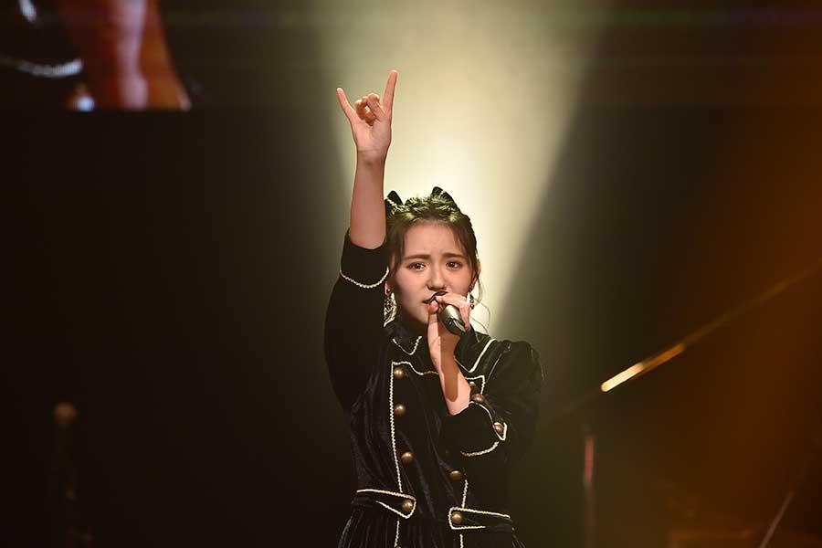 「STU48」峯吉愛梨沙はヘビーメタルの選曲とロングトーンでアピール【写真:(C)TBS】