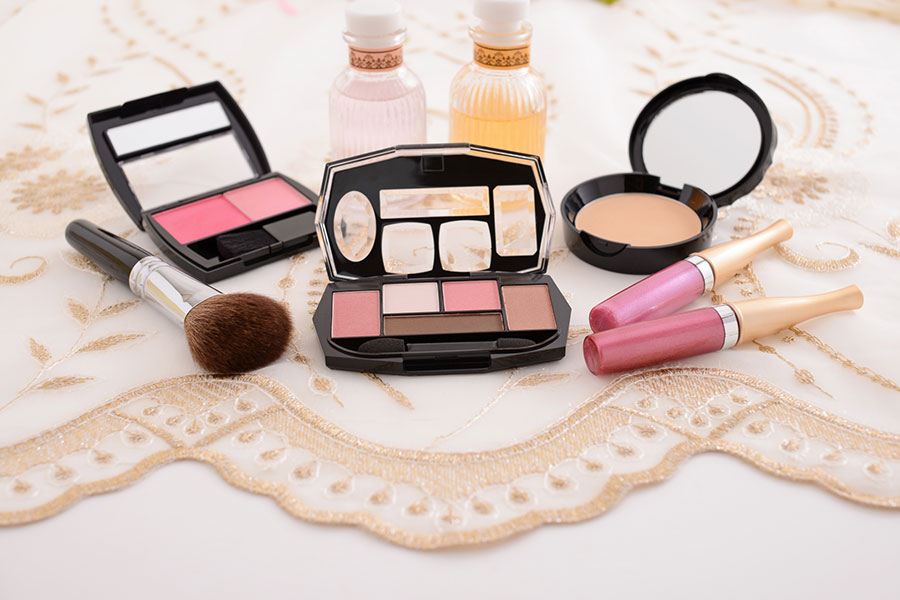 「コスメ・化粧品メーカー人気ランキング」(写真はイメージ)【写真:写真AC】