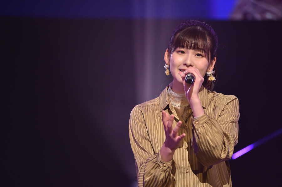「AKB48」浅井七海には、偉大な先輩・岡田奈々に通ずる一生懸命さがあるという【写真:(C)TBS】