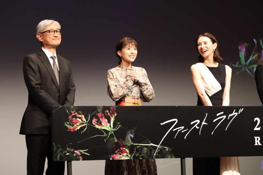 堤幸彦監督、芳根京子、北川景子(左から)【写真:ENCOUNT編集部】