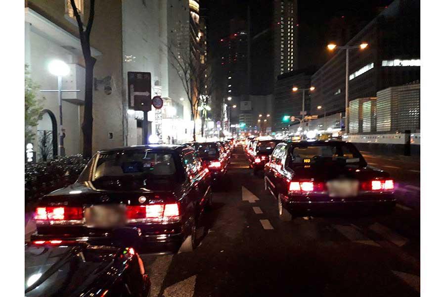 タクシー運転手は見た 緊急事態宣言下の大阪 「飲食店の次はビルオーナーの破綻」